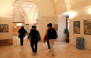 <p>La UAH añade amplía su oferta bilingüe este próximo curso 2014-2015 incorporando a la oferta de grados la opción bilíngüe del Grado en Economía y Negocios Internacionales</p>