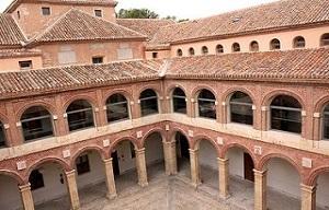<p>Los días 11 y 18 de octubre, la Profesora Marina Romaguera de la Universidad de Alcalá, impartirá el curso STATA organizado por el Máster en Análisis Económico Aplicado 2019-2020.</p>  <p>👉Horario: 16:00 – 19:00 h<br /> 👉Lugar: Aula de informática del Edificio Nuevo de la Facultad de Ciencias Económicas, Empresariales y Turismo en Alcalá de Henares.</p>  <p>Para los alumnos del Máster en Análisis Económico Aplicado la asistencia será obligatoria.</p>  <p>Los estudiantes de postgrado interesados en poder asistir al curso, os rogamos que enviéis un e-mail a <a href=mailto:maea@uah.es>maea@uah.es</a></p>  <p>y se admitirá vuestra presencia en el curso por orden de llegada de las solicitudes, hasta completar aforo del Aula de Informática (38-40 plazas).</p>